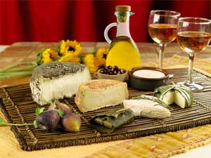 If youu0027re a lover of French Cheese youu0027ll be happy to know that cheese fits right in with your healthy daily diet. Cheese is a u201cnutrient richu201d food ... & A Nutritious Cheese Plate | Mediterranean Diet Healthy Eating | The ...